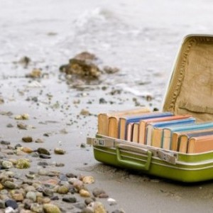BeaCafé 117. 5 libri con cui naufragare su un'isola deserta